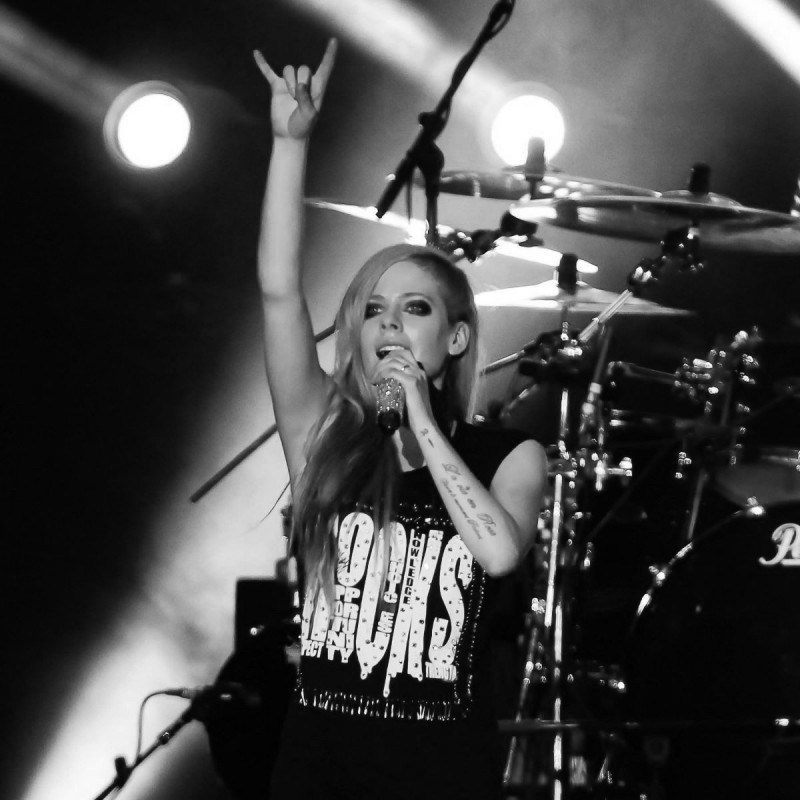 Early Access VIP Tickets for Avril Lavigne in Paris, France