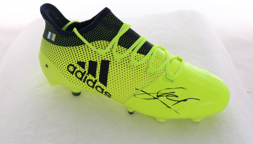 Manchester City's David Silva Player Issued Right Boot
