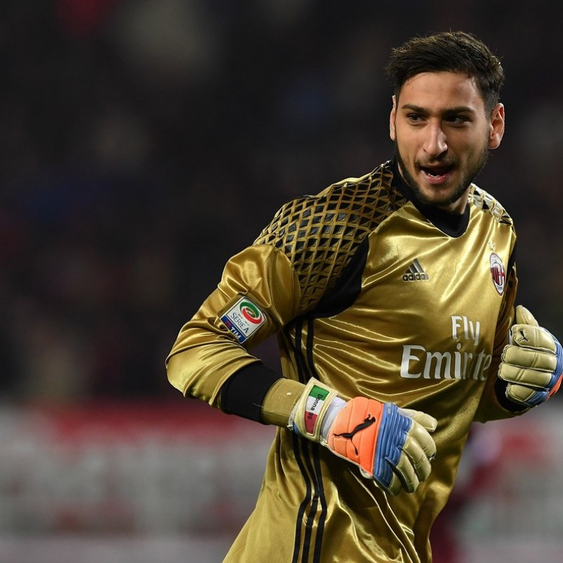 Donnarumma Match issued Gloves, Serie A 2016/17