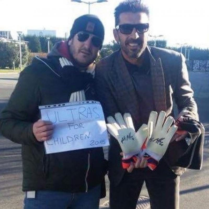 Buffon Juventus gloves, worn and signed