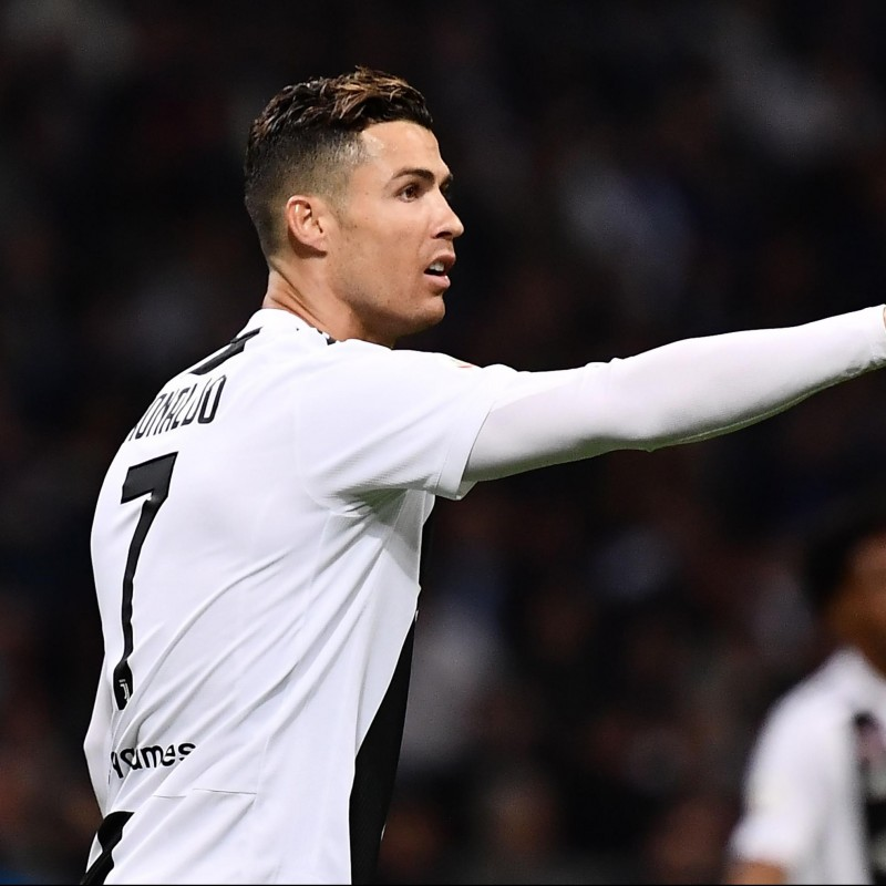 Ronaldo's Authentic Juventus Shirt, 2018/19 - Signed by the Players