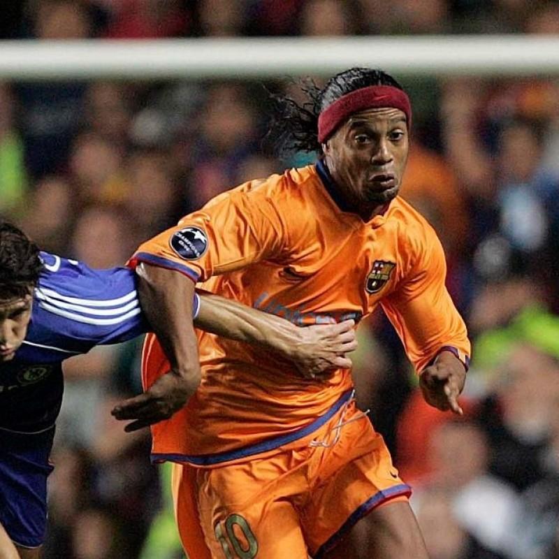 Ronaldinho's Official Barcelona Signed Shirt, 2006/07