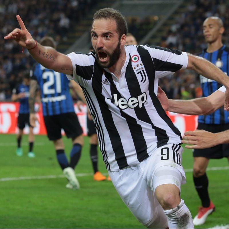 Higuain's Unwashed Match-Worn Serie A 2017-18 Juventus Shirt