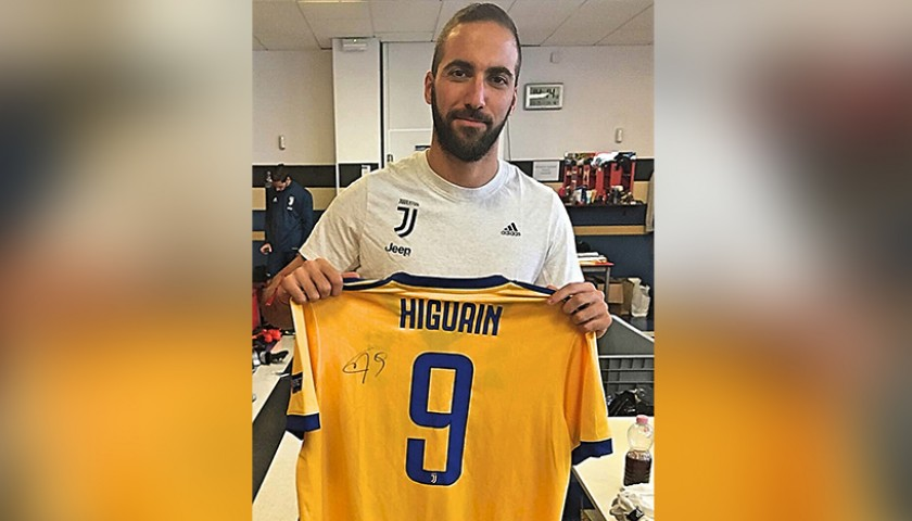 buy popular 2a31b 04cda Signed Official Higuain Juventus Shirt, 2017/18 - CharityStars
