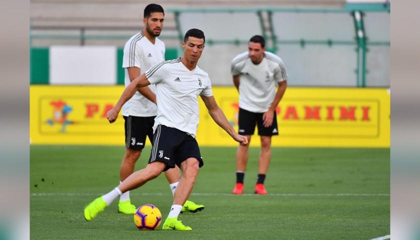 9a8b895e789 Cristiano Ronaldo s Nike Mercurial Signed Boots - CharityStars