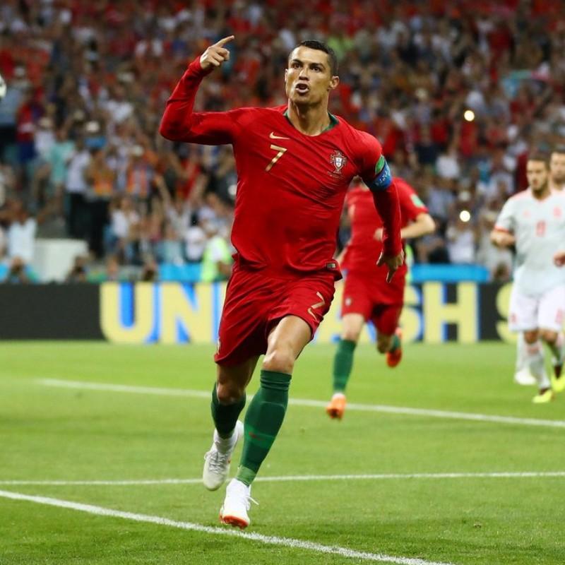 Nike Scorpion Mini-Ball - Signed by Cristiano Ronaldo