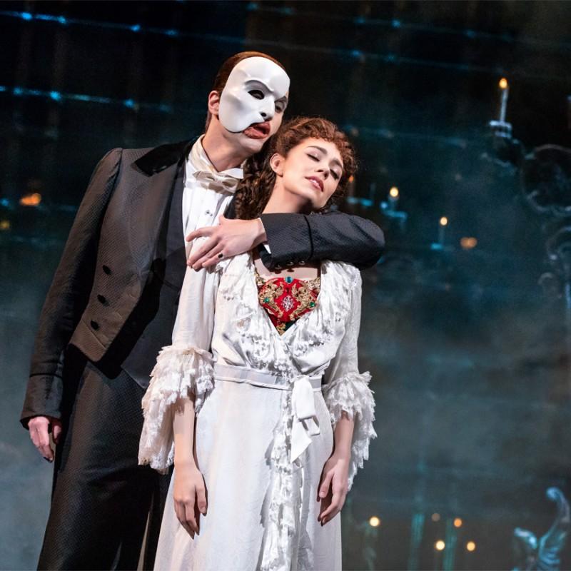 Cena presso il ristorante Petrus + biglietti per assistere a Phantom of the Opera a Londra