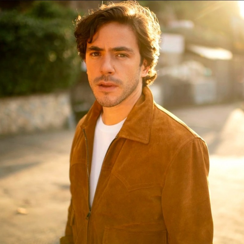 Win a Personalized Video Performance by Jack Savoretti