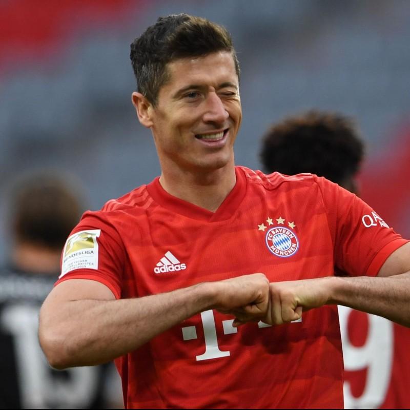 Match-Ball EL 2018/19 - Signed by Lewandowski