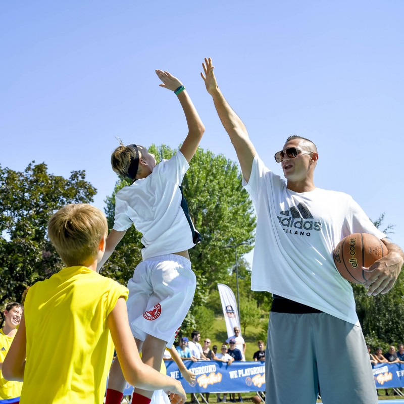 Meet Italian Basketball Star Danilo Gallinari