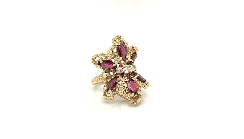 14KT Yellow Gold Garnet and Diamond Ring