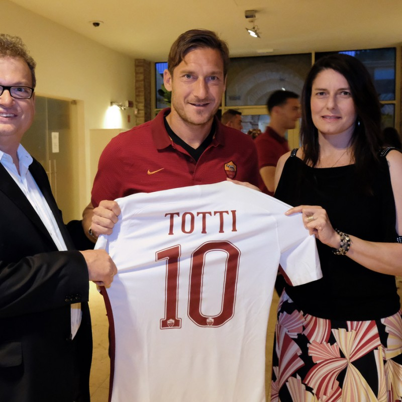 Watch Chievo-Roma from VIP Seats and Receive Totti's Match-Issued Shirt