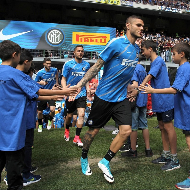 Mascot on Inter Field with Players - July 9