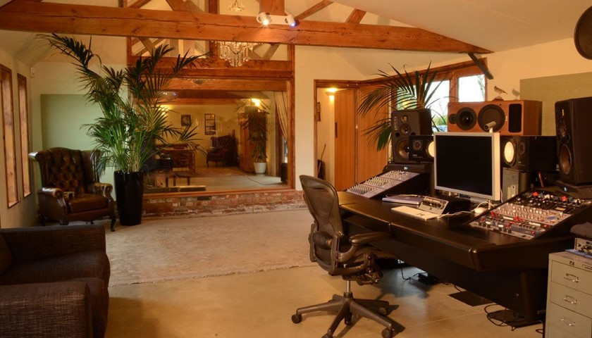 Your chance to record your own single at fantastic Lark's Tongue Studios in Buckinghamshire