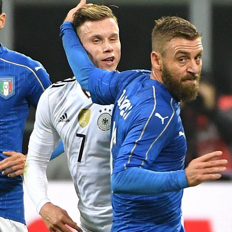 De Rossi Italy match issued/worn shirt, Italy-Germany 15/11/2016