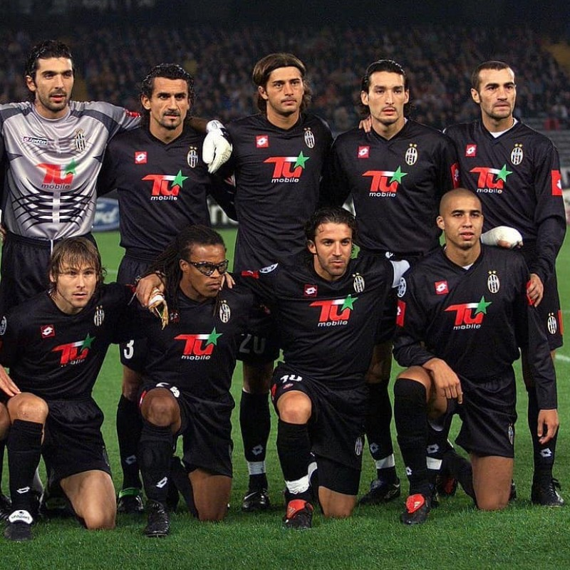 Montero's Juventus Match-Issue/Worn Shirt, 2001/02