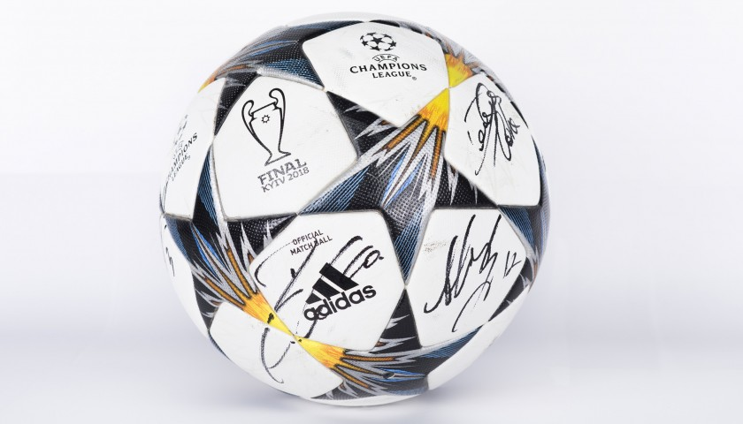 Official UCL 2017/18 MatchBall Signed by Juventus FC Team