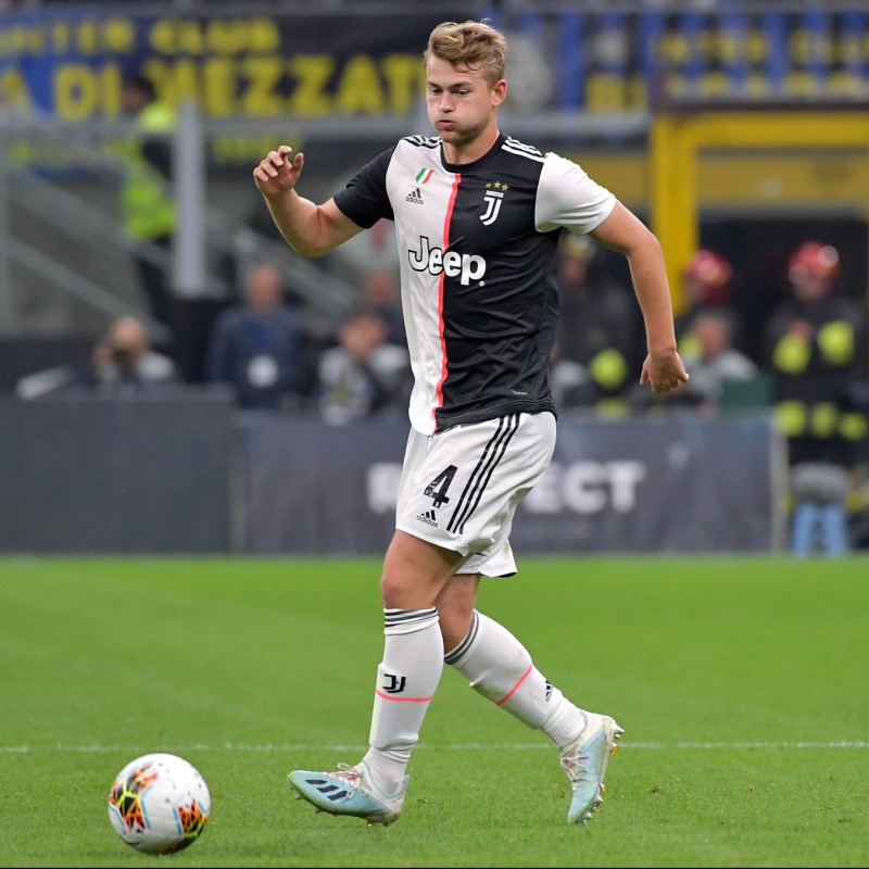 De Ligt's Official Juventus Signed Shirt 2019/20