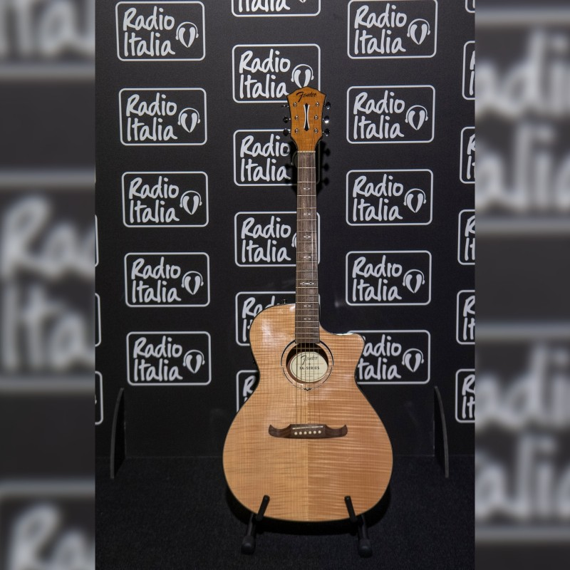 Guitar Signed by Radio Italia Live - The Concert Artists in Milan