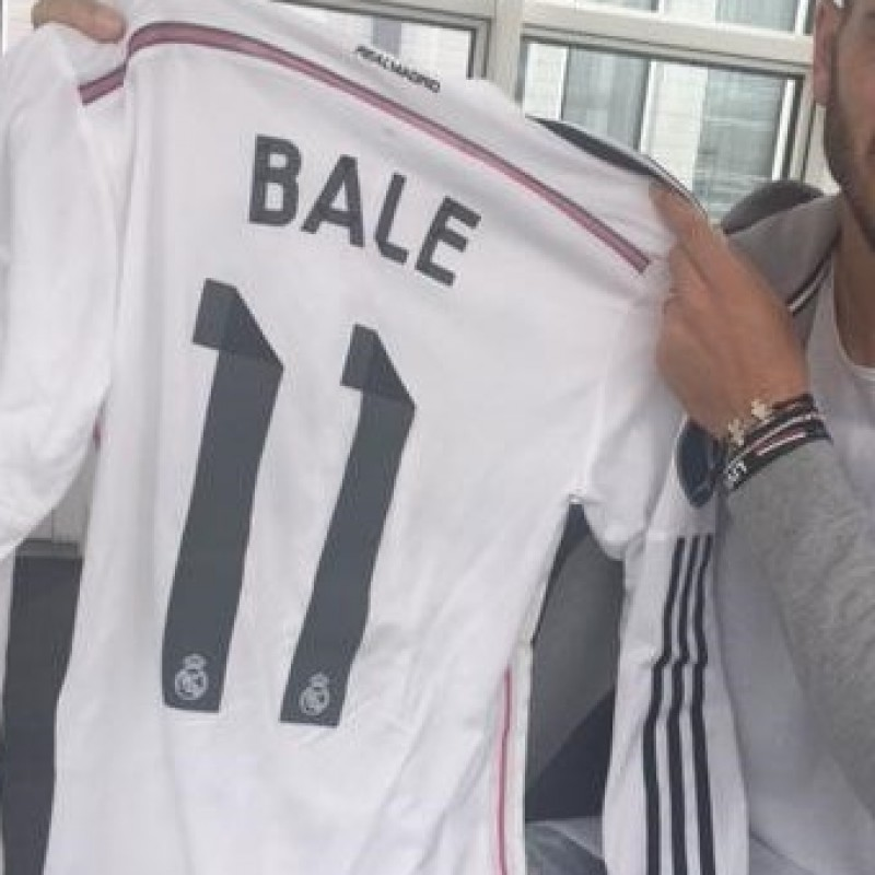 Bale shirt, issued/worn Uefa Supercup Real Madrid-Sevilla, 12/8/14
