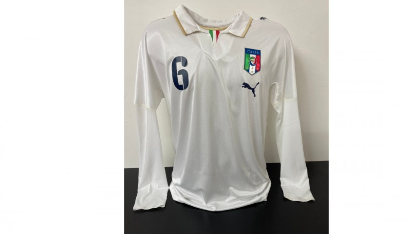 De Rossi's Italy Match Signed Shirt, 2007/08