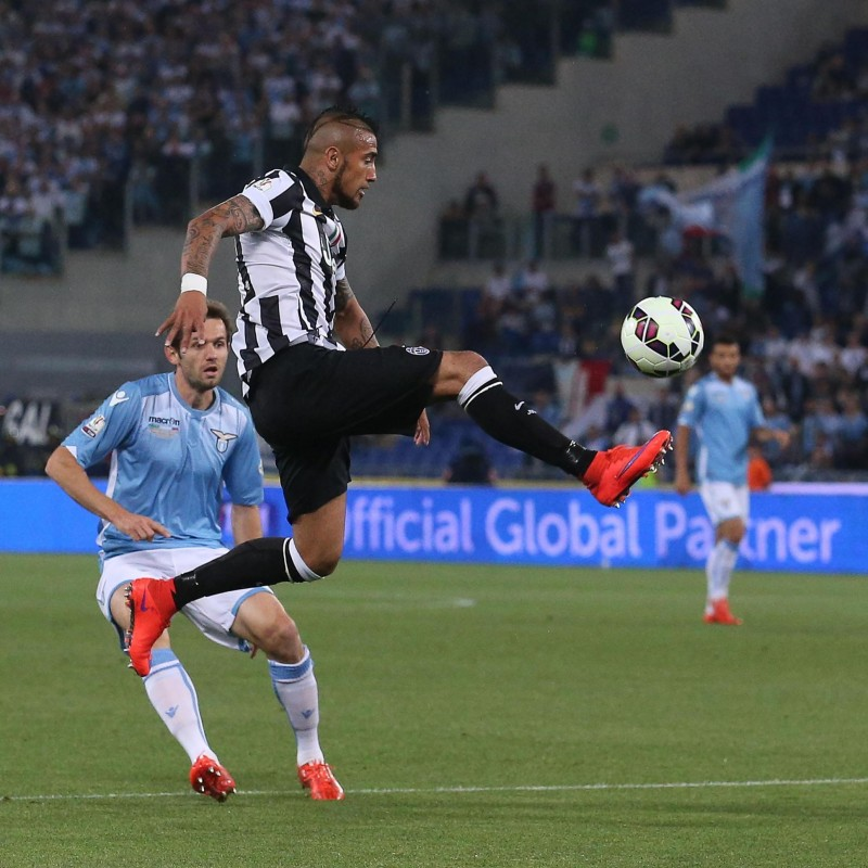 Vidal shirt, issued/worn Juventus-Lazio Tim Cup 2015 Final
