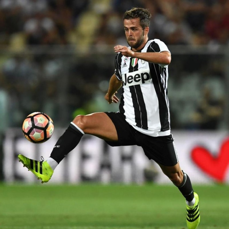Pjanic's Juventus Match Shorts, 2016/17