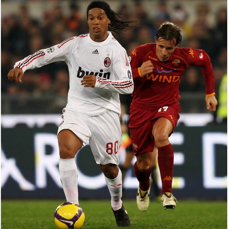 Nike R10 Cleats Worn by Ronaldinho, 2008/09 Serie A