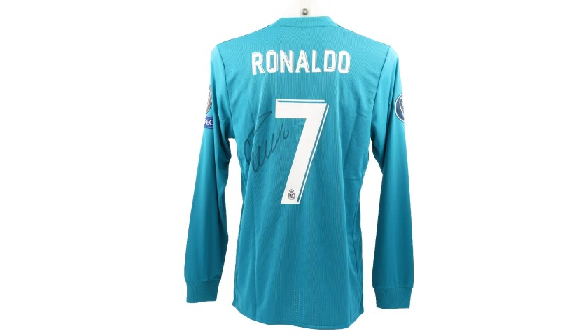 detailed pictures d98c3 134a9 Ronaldo's Match-Issue Signed Shirt, Juventus-Real Madrid - CharityStars