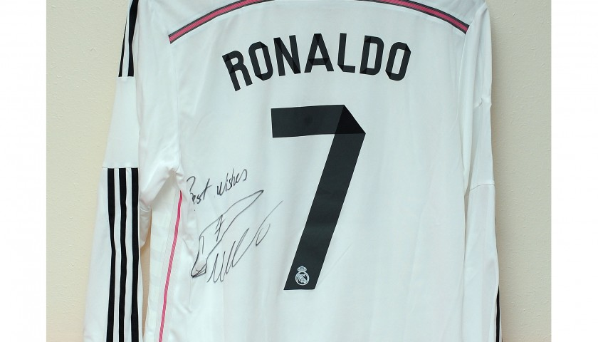 best sneakers 4d8bf c6337 Real Madrid shirt signed by Cristiano Ronaldo - CharityStars