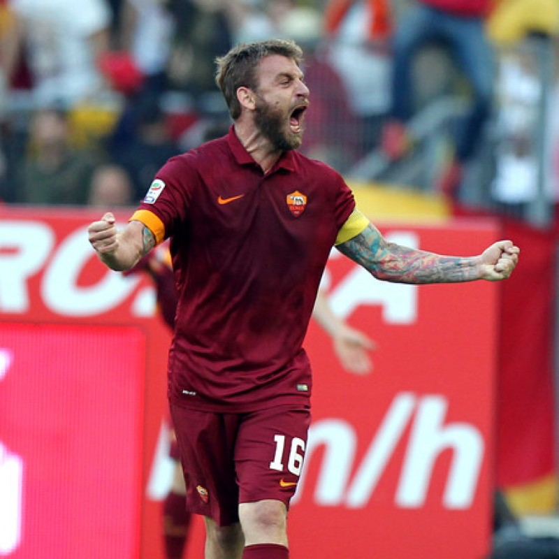 De Rossi's Official Roma Signed Shirt, 2014/15