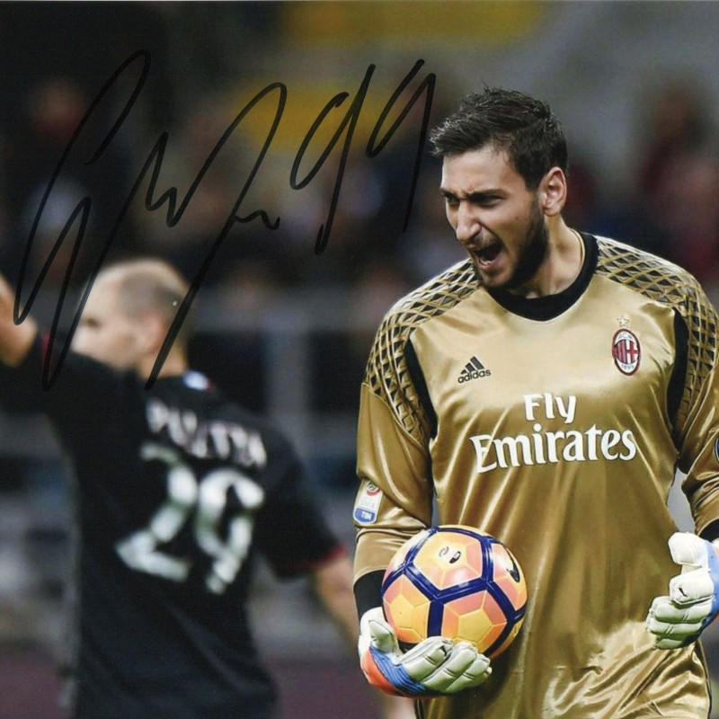 Gianluigi Donnarumma Signed Photograph
