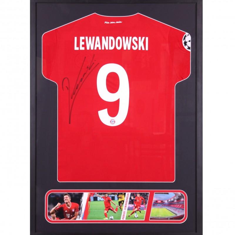 Lewandowski's Bayern Signed Shirt