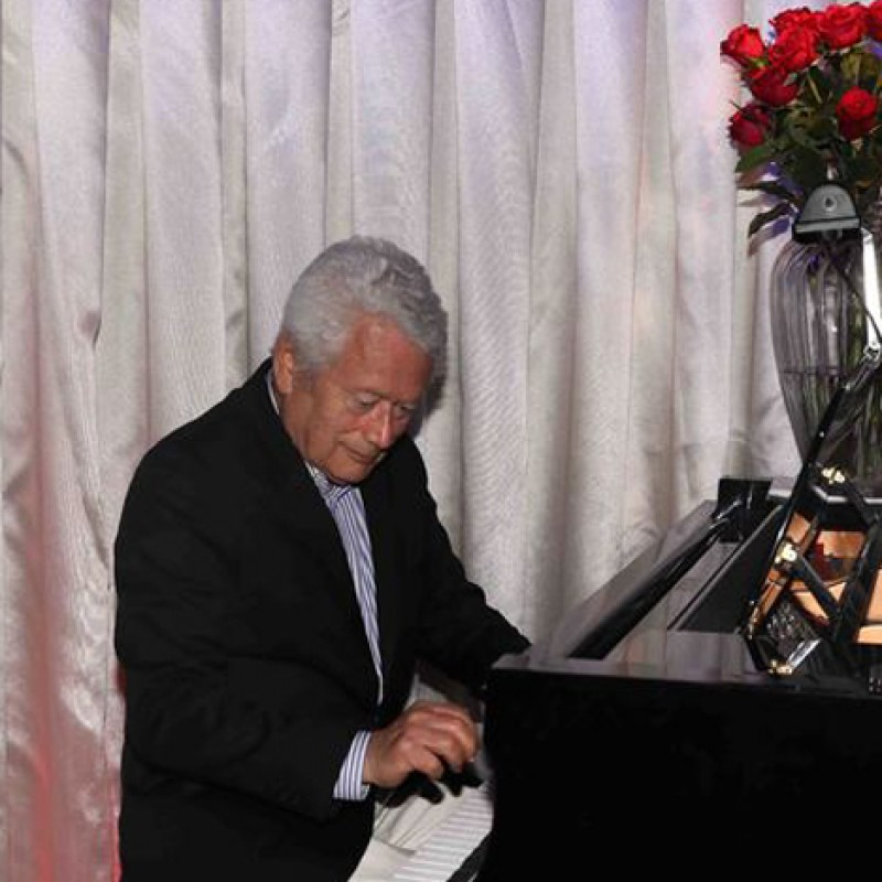 Enjoy Home Musical Entertainment by Acclaimed Pianist Stephen Sorokoff in Palm Beach