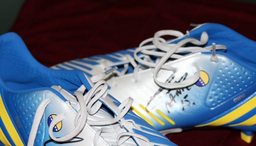 Pjanic match issued boots, Roma-Inter Serie A 2014/2015 - signed