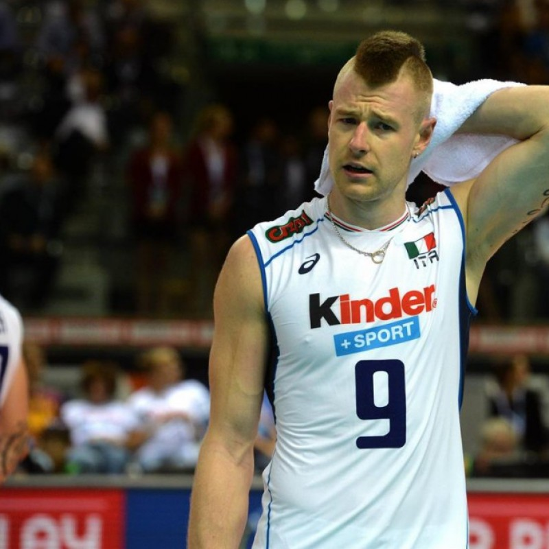 Official Italvolley shirt, worn and signed by Ivan Zaytsev