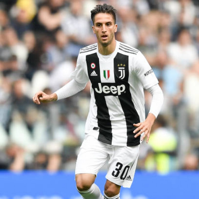 Bentancur's Match Shirt, Juventus-Verona 2018 - #UN1CO Patch