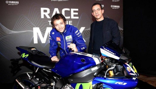 Valentino Rossi Personally Delivers His New Yamaha To CharityStars Bidder