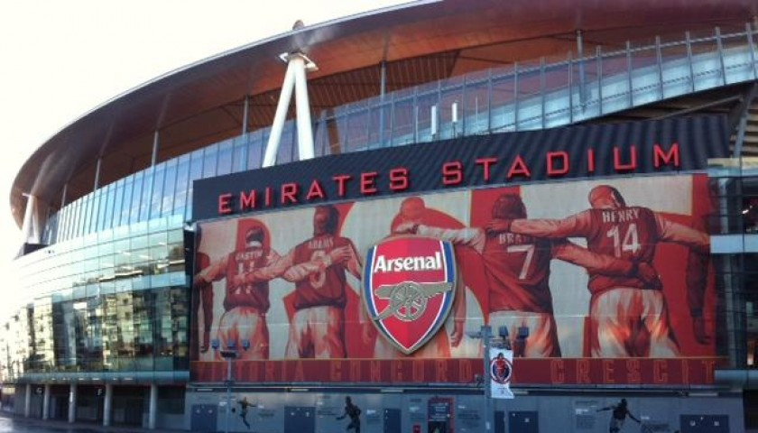Travel to Emirates Stadium for the Milan Legends vs Arsenal Legends Match