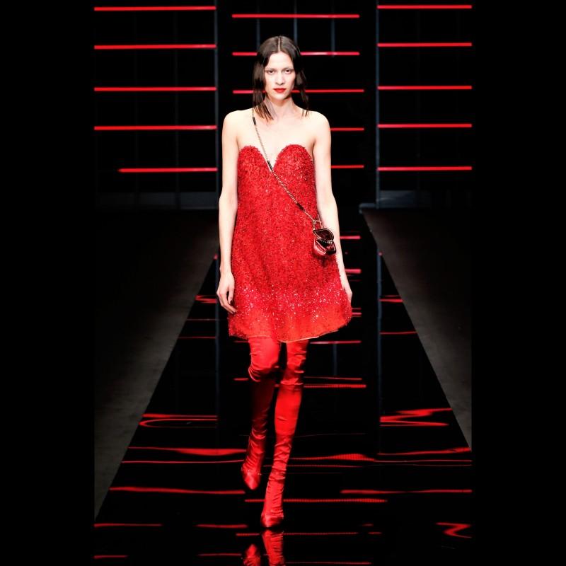 Attend the Emporio Armani S/S 20 Fashion Show with the 'IO Donna' Editorial Team