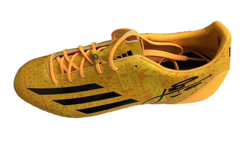 79d0e96f66d Lionel Messi Signed Left Adidas Football Boot - CharityStars