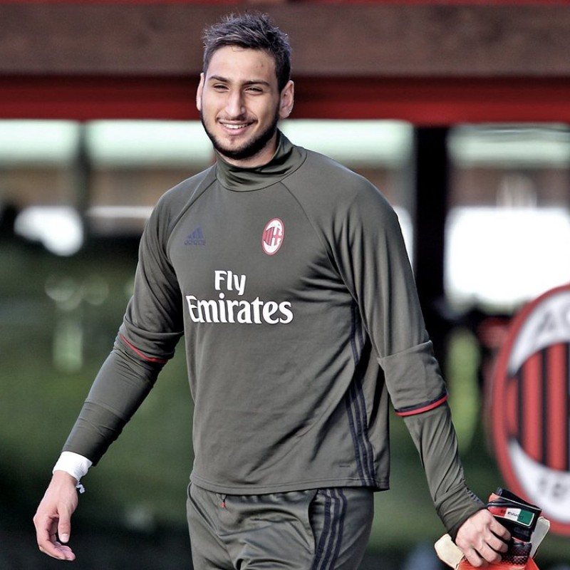 Donnarumma's Milan Training Sweatshirt, 2016/17 Season