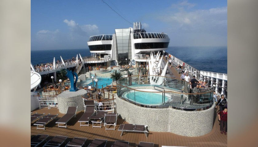 Cruise for 2 aboard the MSC Splendida - CharityStars