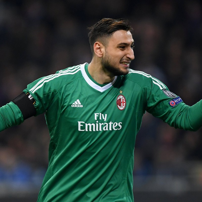 Donnarumma's AC Milan Match-Issue/Worn Shirt and Shorts, EL 2017/18