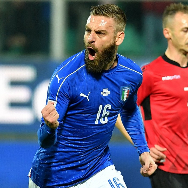 De Rossi Match-Issued/Worn Shirt, Italy-Albania 2017