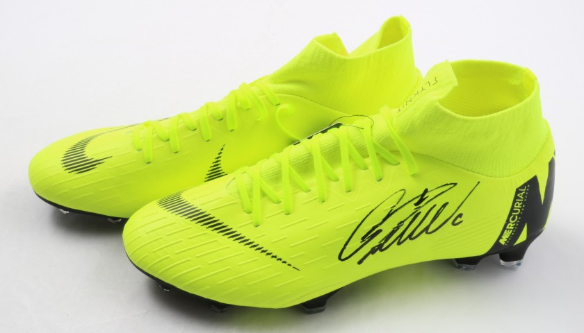 041c8d4b8 Cristiano Ronaldo s Nike Mercurial Signed Boots - CharityStars