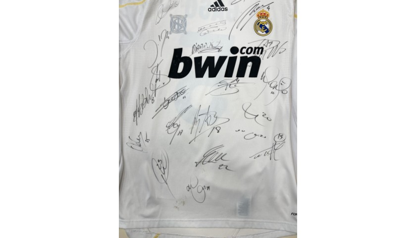 Gago's Real Madrid Worn Shirt, 2009/10 - Signed by players