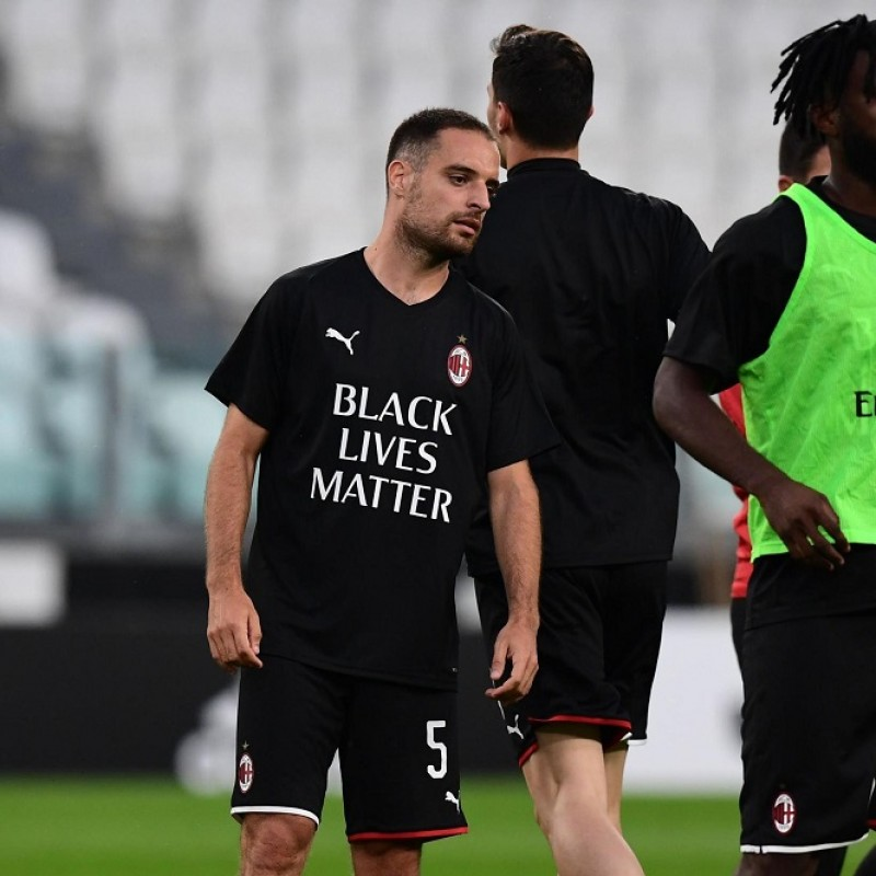 """Black Lives Matter"" Training Shirt, Juventus-Milan - Signed by Bonaventura"
