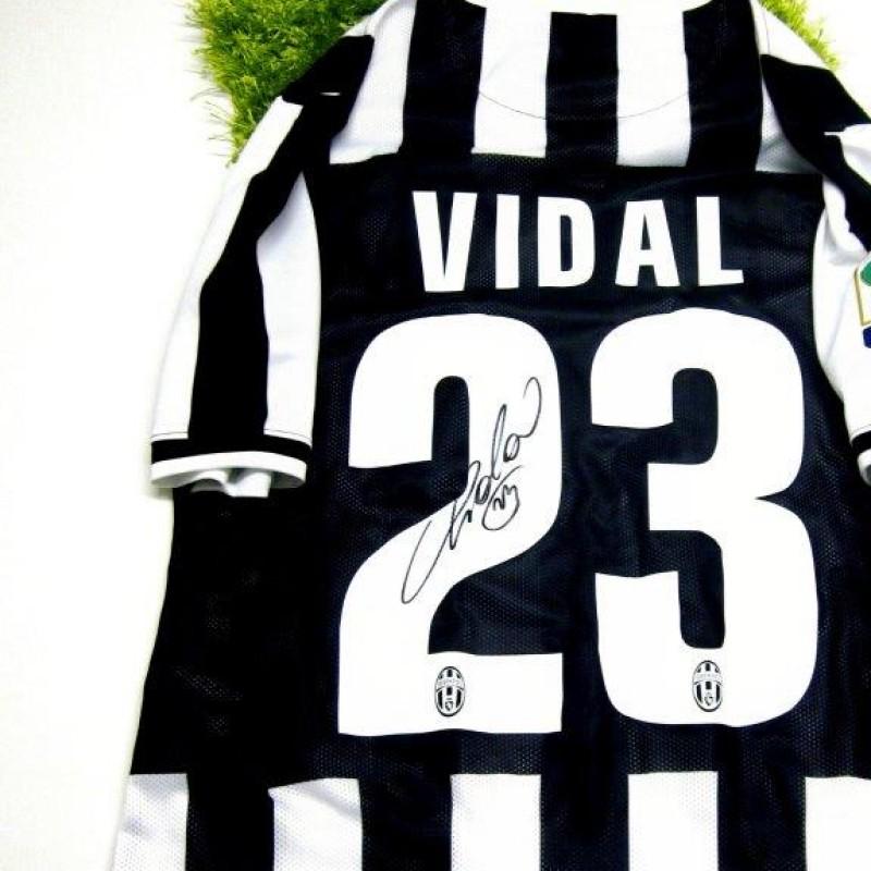 Juventus fanshop shirt, Arturo Vidal, Serie A 2013/2014 - signed