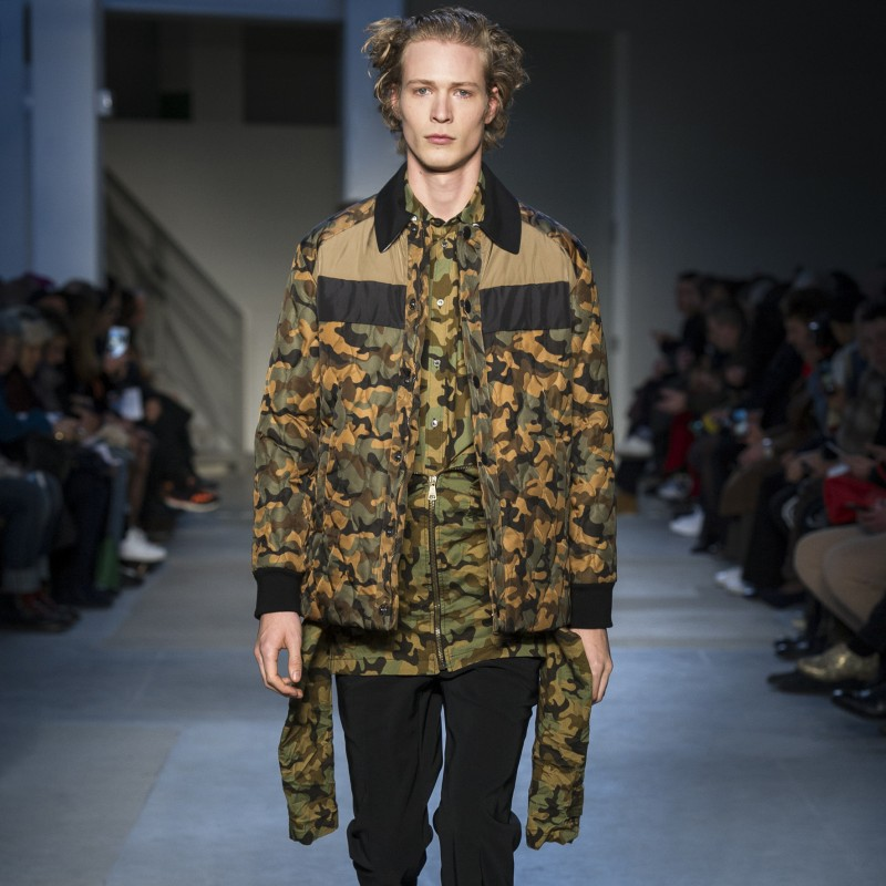 Attend the N°21 S/S 2019 Men's Fashion Show